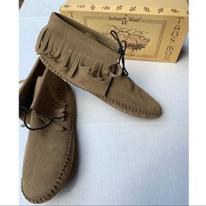 Vintage Taos Mox Indian Maid Moccasins